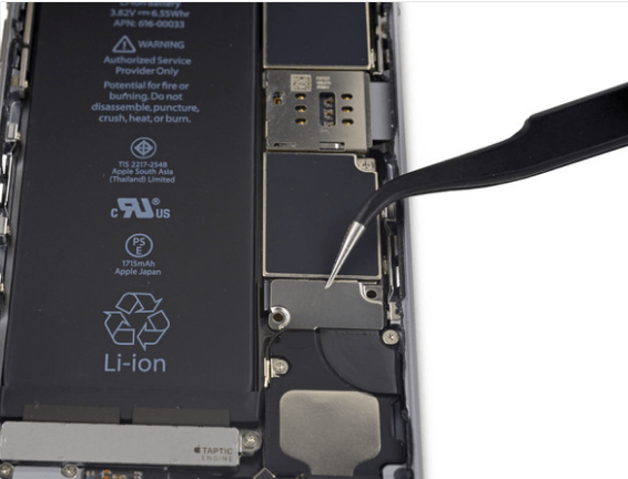 removing battery bracket in iPhone 6S