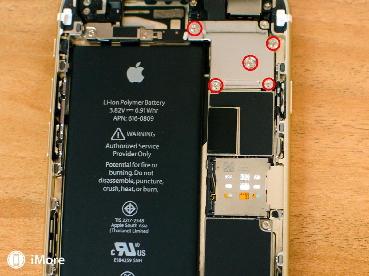 Removing screws in iPhone 6