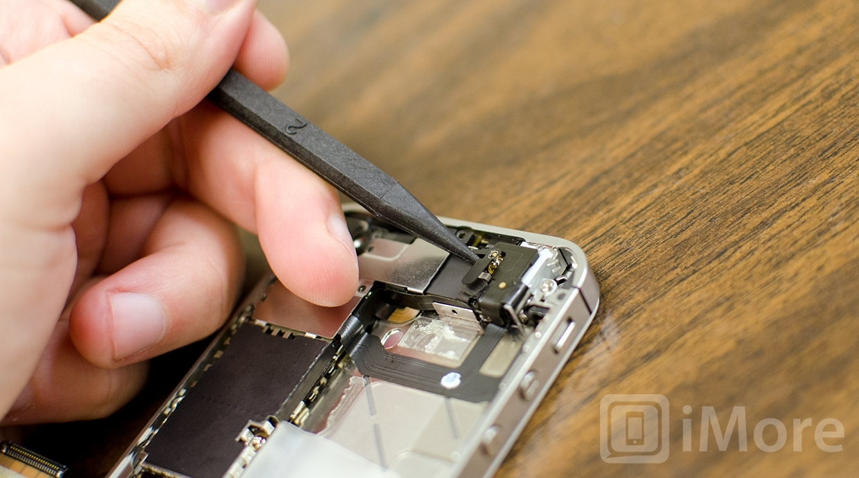 Removing black shields from iPhone 4S