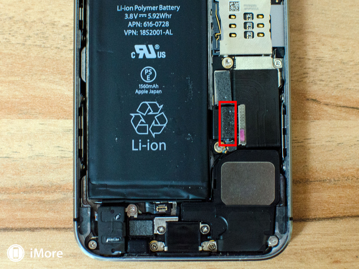 Removing battery cable in iPhone 5S