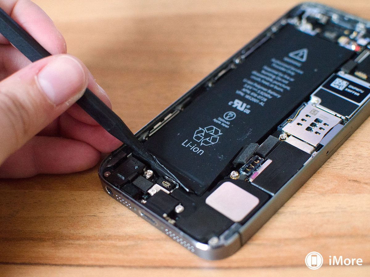 Removal of battery in iPhone 5S