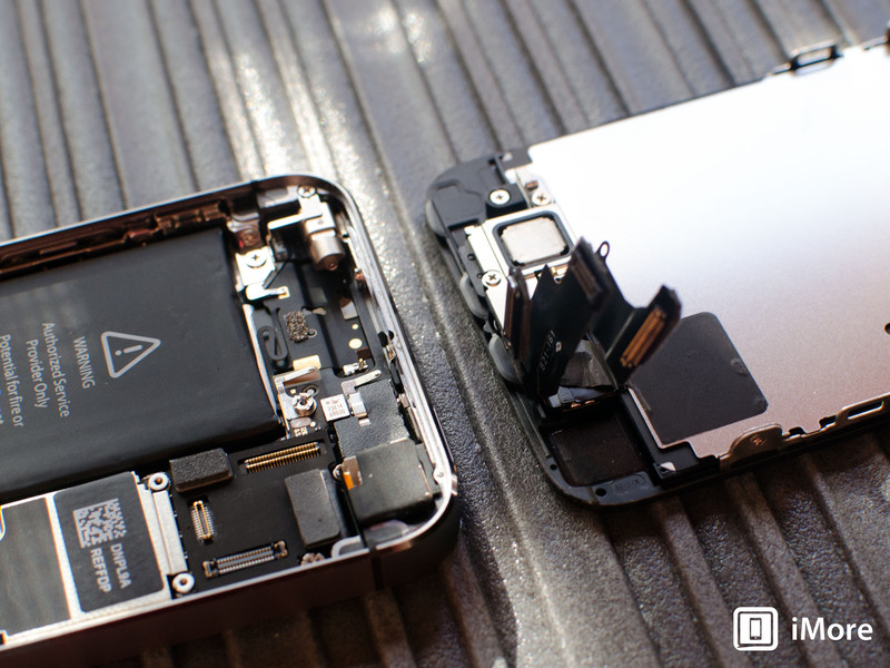 removing display assembly in iPhone 5s