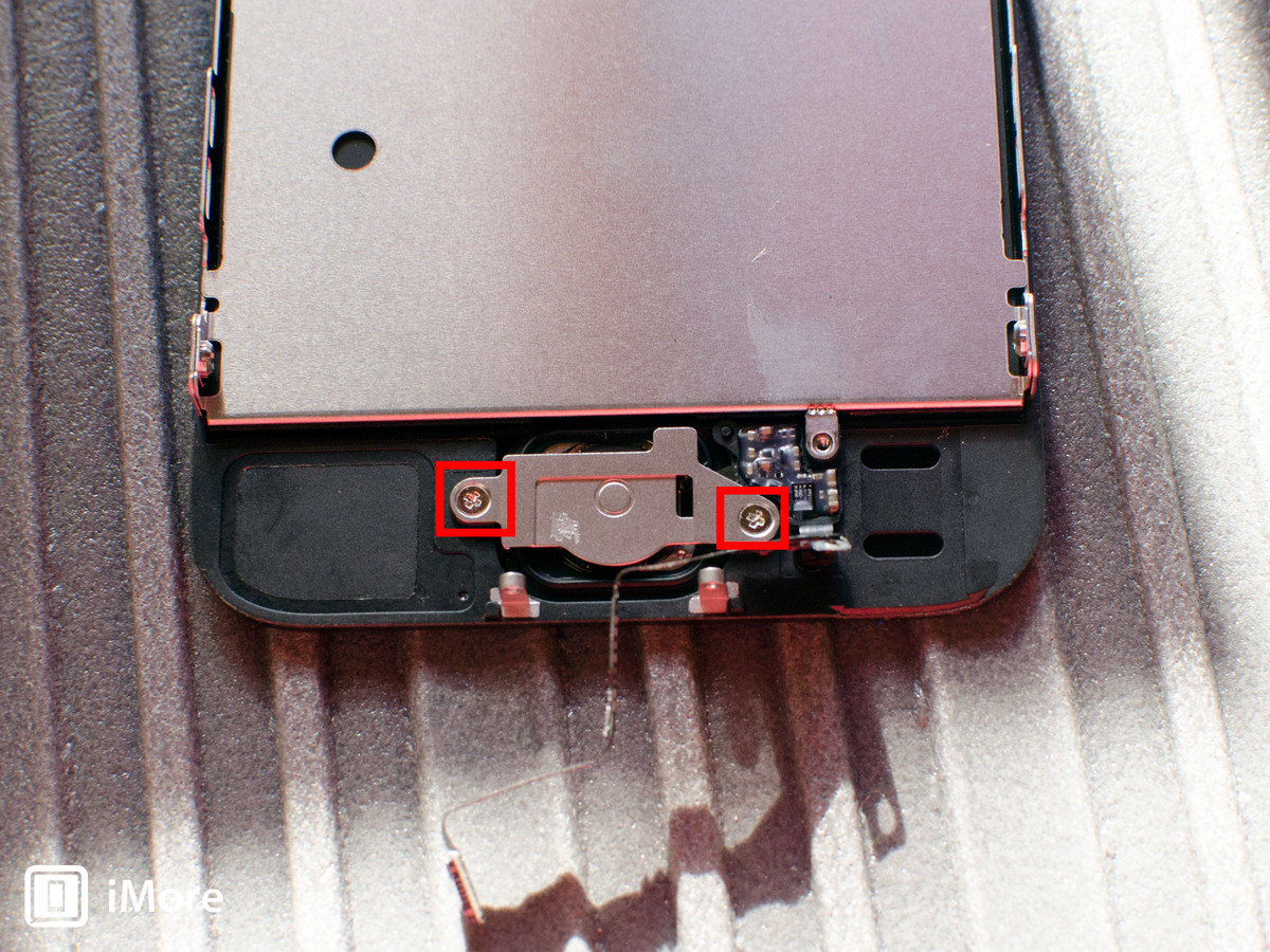 Removing screws in iPhone 5S