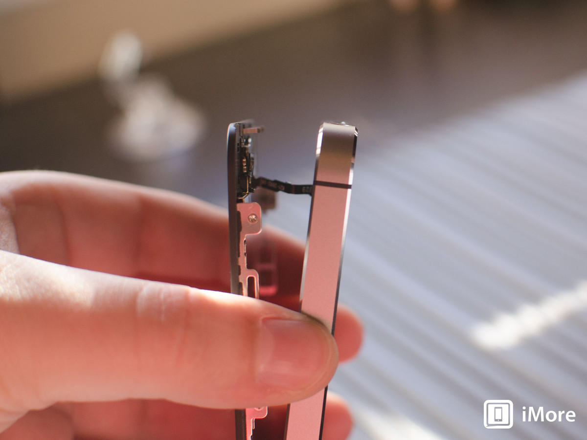 Detaching cable in iPhone 5S