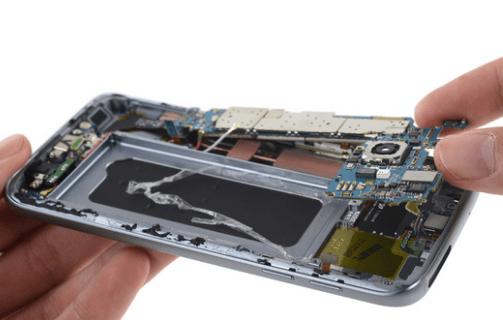Samsung Galaxy S7 motherboard